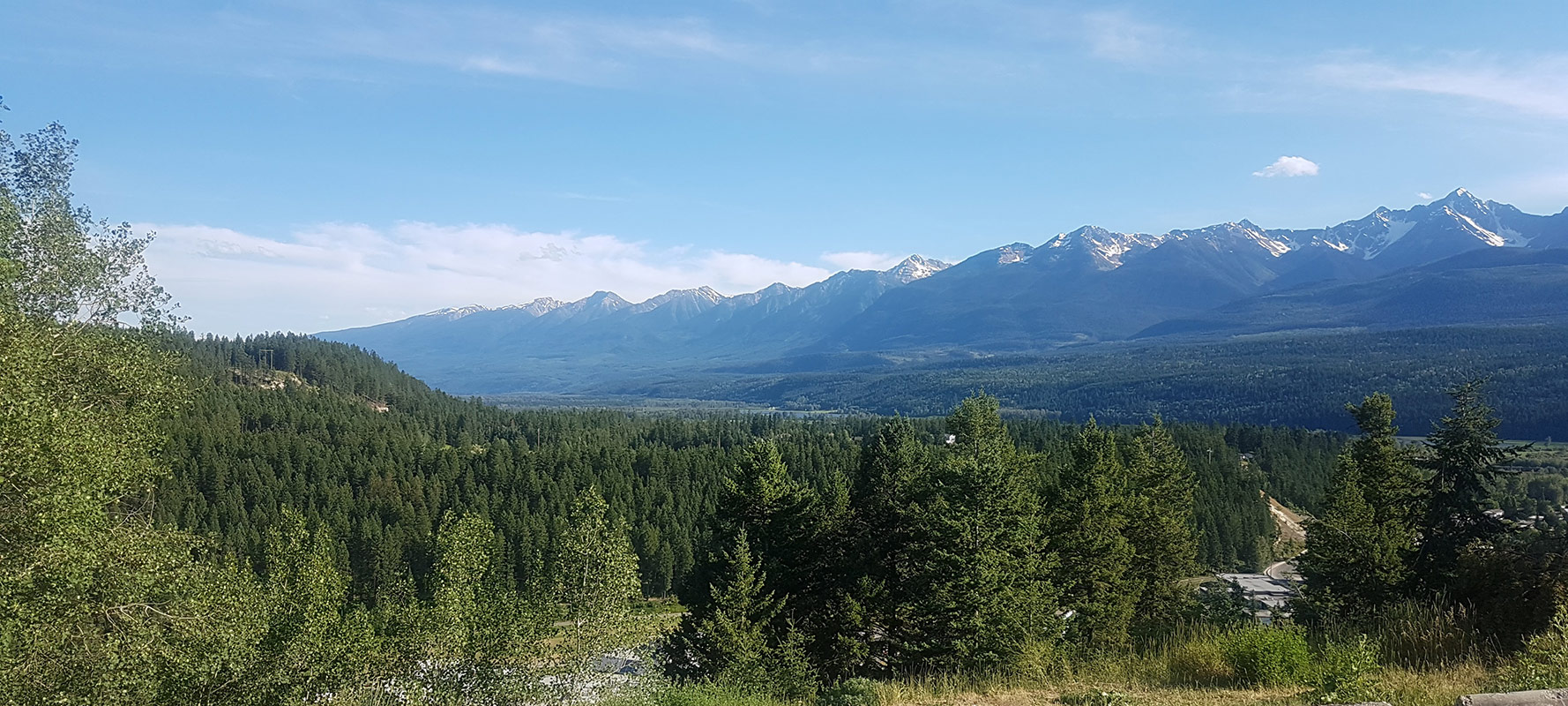 After renting a one-way car rental from Vancouver to Calgary, we look for things to do in Golden, BC. We chose adventure - of the river rafting kind.