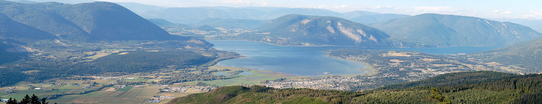 After hiring a one-way car rental from Vancouver to Calgary, we stop to learn about the things to do in Salmon Arm, BC and go back in time.